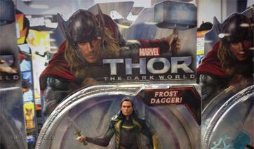 Фото игрушек с персонажами из Тор 2: Царство тьмы