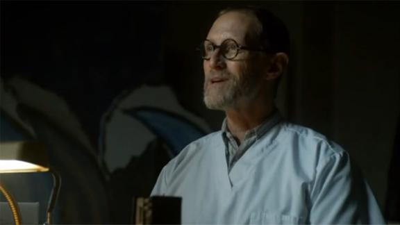 Электрошокер появляется в сериале Готэм