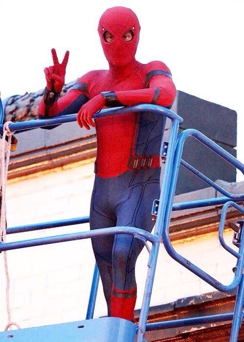 0н Человек - паук : Возвращение домой в киного kino 1tv ru мата хари