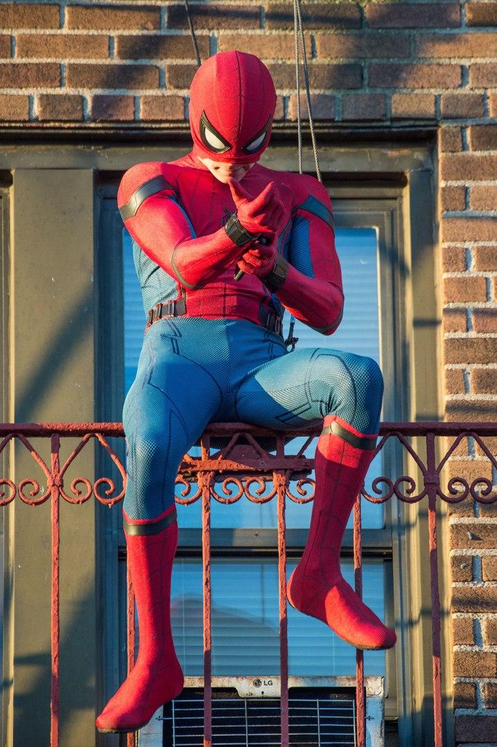 Фильм « Человек - паук : Возвращение домой » выходит