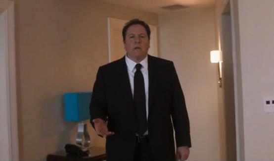 Джон Фавро в роли Хэппи Хогана в фильме Человек-паук: Возвращение домой